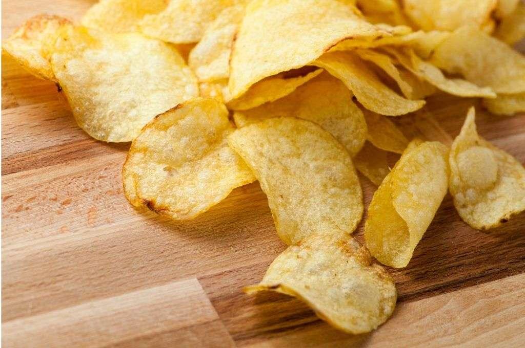 糖質が多く太りやすい食べ物 ポテトチップス